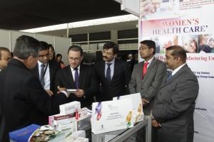 Feria farmaceútica India en Perú